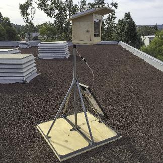Camera on roof 02